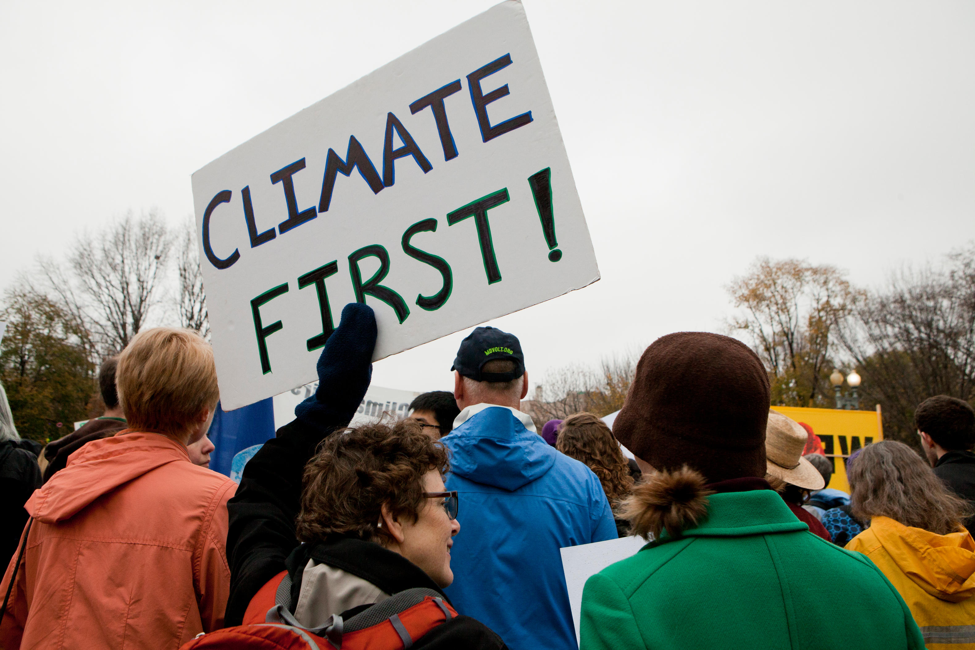 FBR9J1 November 21, 2015, Washington, DC USA: Environmental activists protest in front of the White House