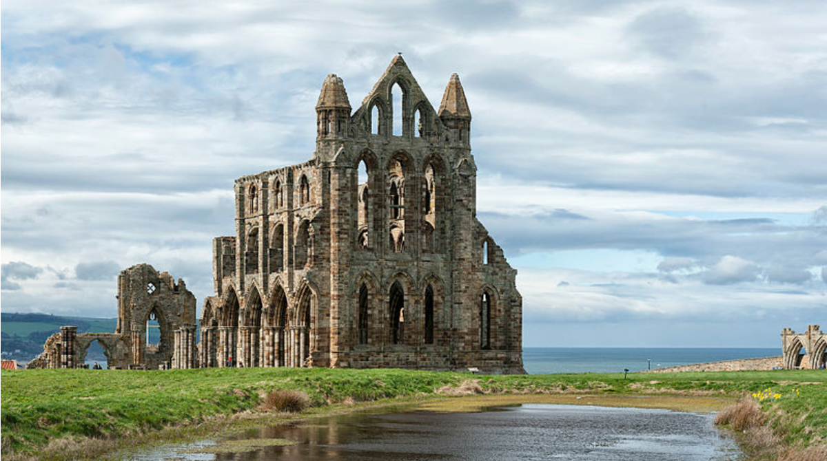 whitby_abbey_ruins_yorkshire
