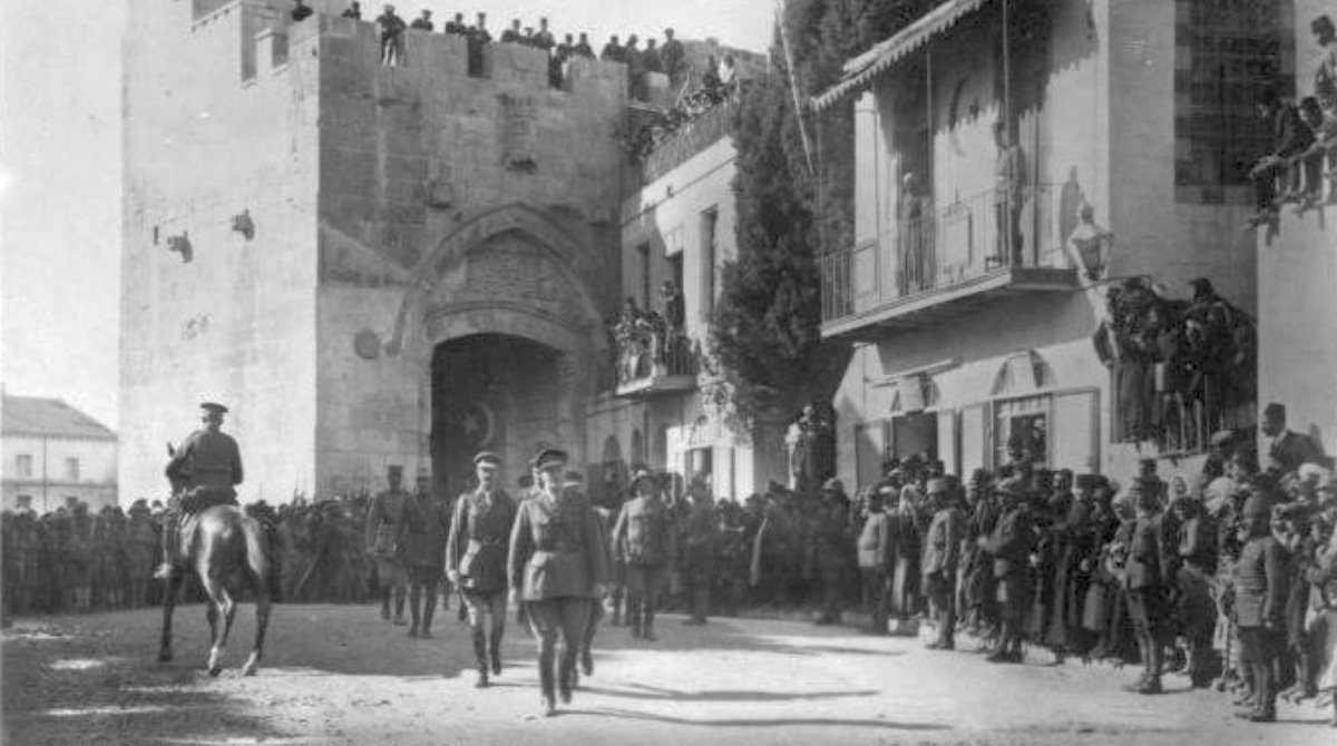 general-allenby-entering-jerusalem-1917
