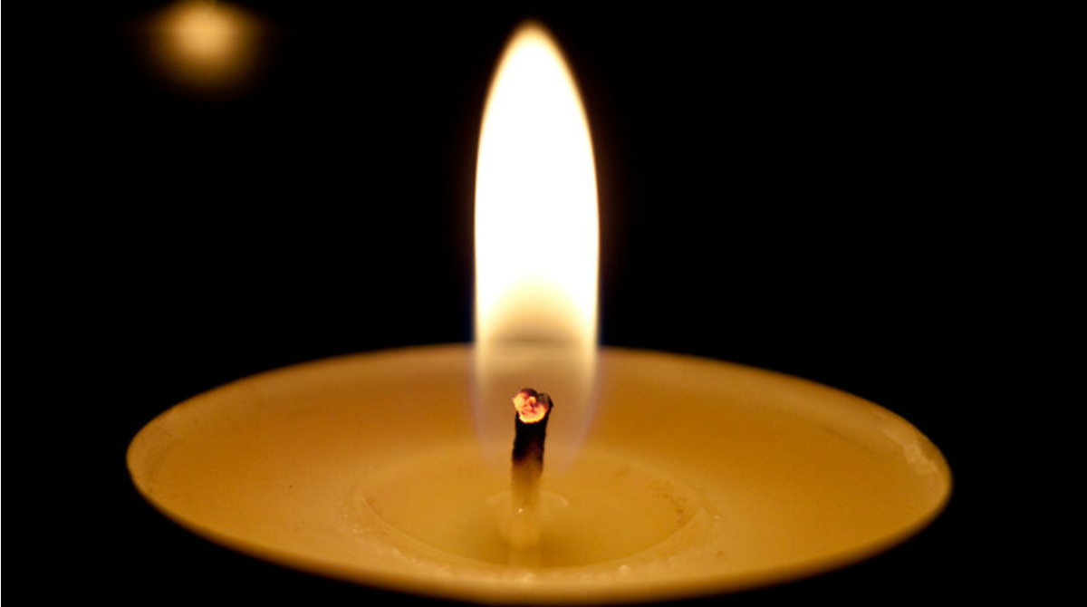 800px-candle_flame_01